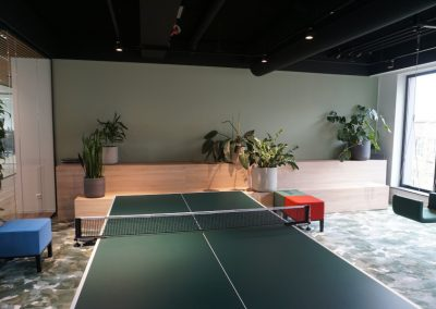 Solitaire plantenbakken bij recreatieruimte